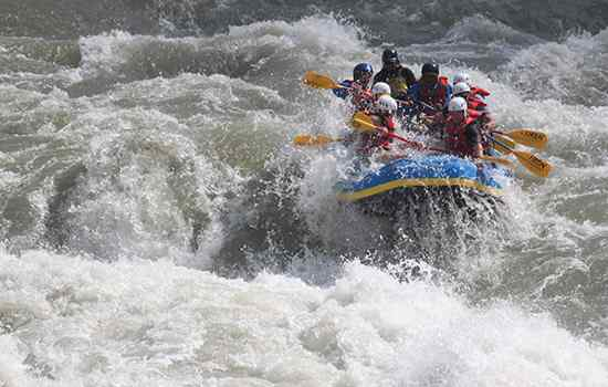 bhote-koshi-river-rafting-in-nepal